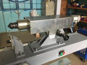 Откидывающийся механизм фиксации изделия в установке АС349