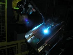 Выполнение наплавки торца релса на робототехническом комплексе РК757