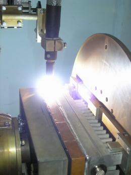 Сварка алюминиевого корпуса на установке АС311